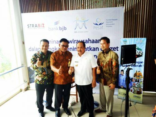 BJB Pangandaran adakan Seminar kewirausahaan untuk meningkatkan omzet pelaku UMKM di Kabupaten Pangandaran