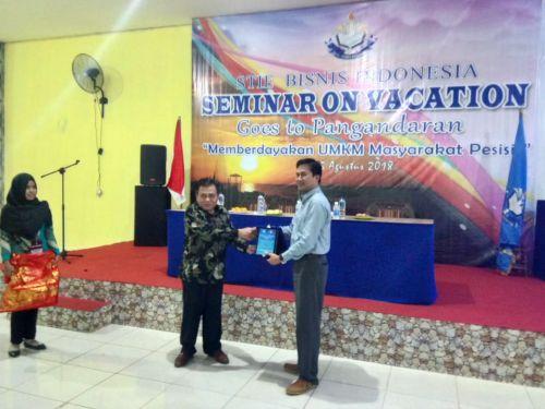 KADIN PANGANDARAN BERSAMA MAHASISWA STIE BISNIS INDONESIA CENGKARENG