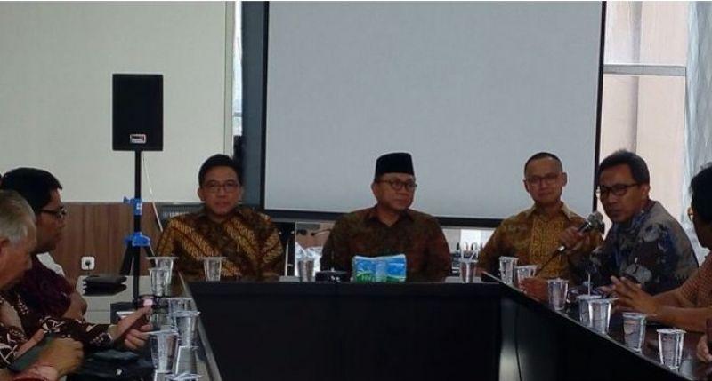 Ketua MPR Sambangi Kadin Jawa Barat