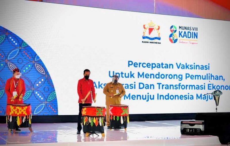 Pukul Beduk, Jokowi Resmi Buka Munas VIII Kadin di Kendari